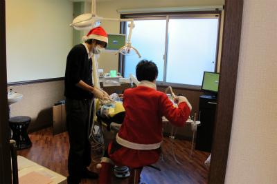 サンタ診療2011 (1)s.jpg