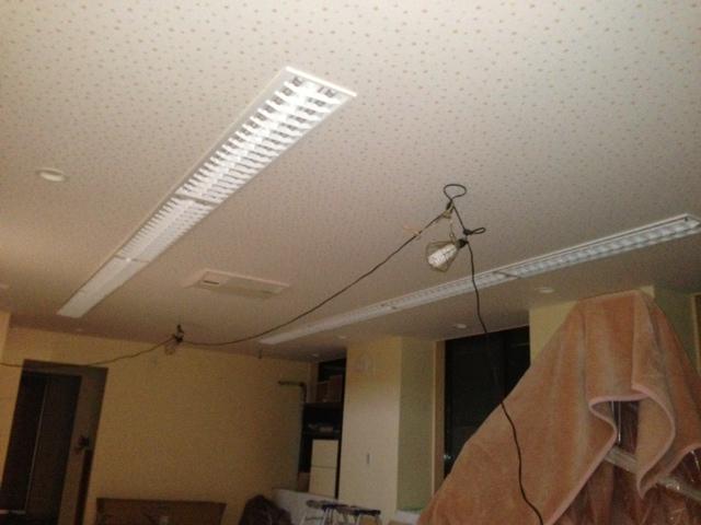 大診療室のLED照明 (3).JPG