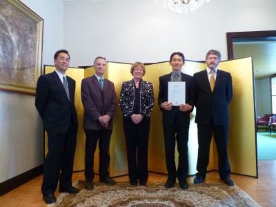 2012MAY在ヘルシンキ日本大使館s.jpg